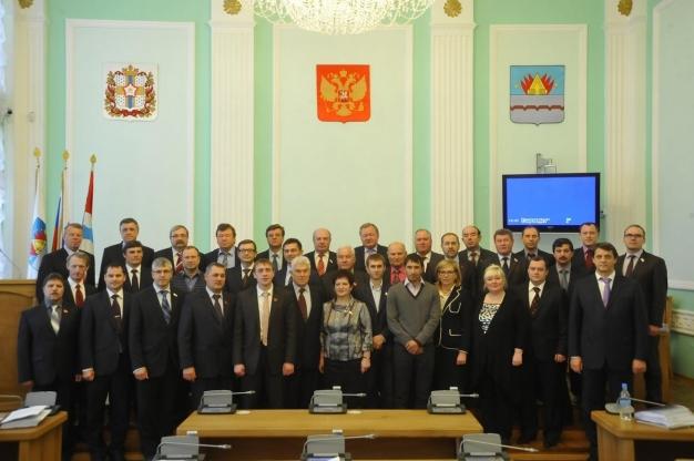 Депутаты Горсовета намерены поработать до сентября из-за неясностей с мэром