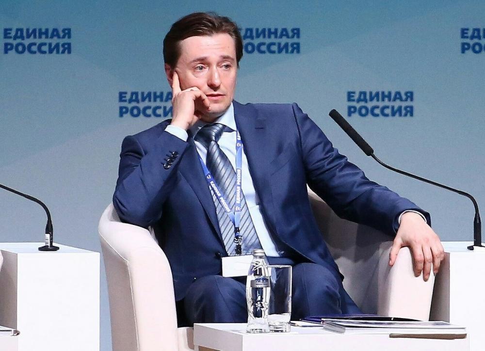 Медведев поручит губернаторам предлагать кандидатуры артистов напочетные звания