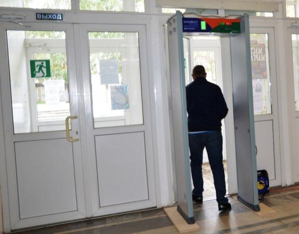 ВОмской области кпрезидентским выборам закупят 655 металлодетекторов