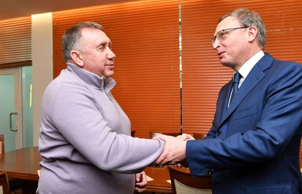 Советником губернатора поспорту стал легенда омского хоккея Евгений Шастин