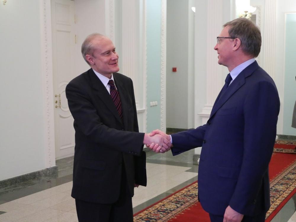 Фролов перед уходом вОмское руководство попал вТОП наилучших мэров Сибири