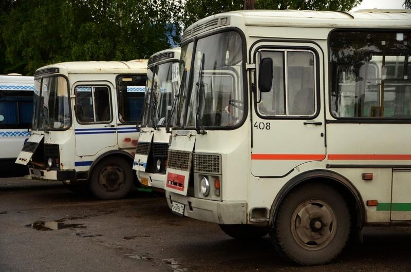 Частные перевозчики Омска будут возить пассажиров поновым правилам
