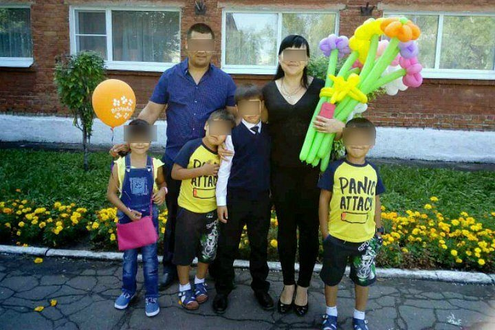 Семья пострадавшая от пожара в поселке Кордном просит помощи