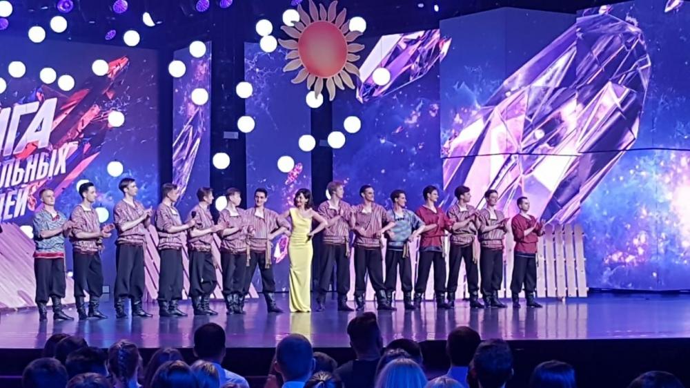 Танцоры Омского русского народного ансамбля сразятся втелешоу среди людей сосверхспособностями