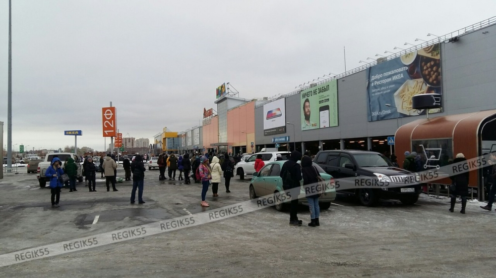 ВОмске «заминировали» несколько торговых центров