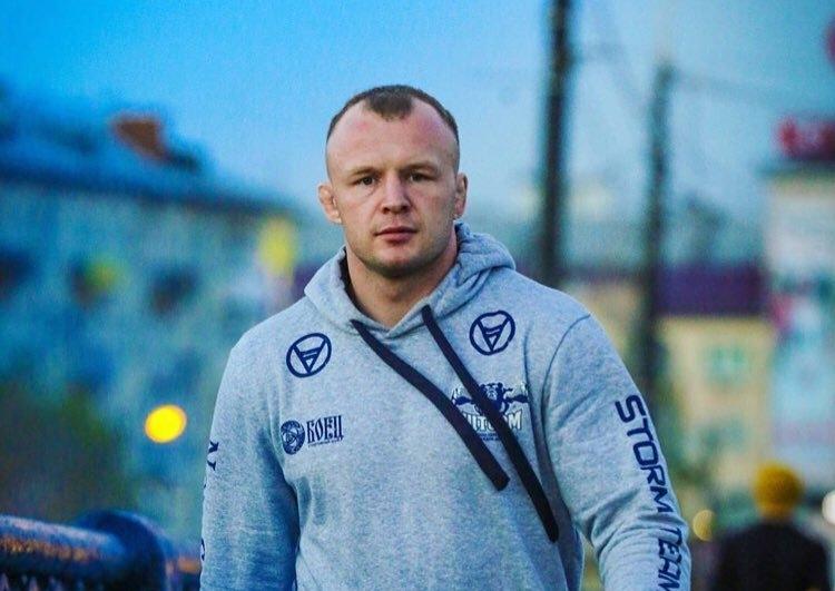 Шлеменко требует отдать ему победу впроигранном бою