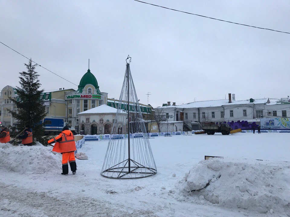 Сегодня вцентре Омска откроют бесплатный каток