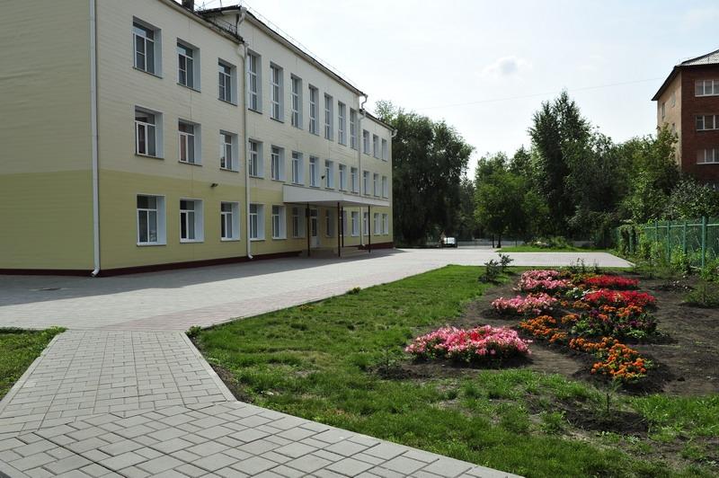 ВОмской области назвали лучшие школы региона