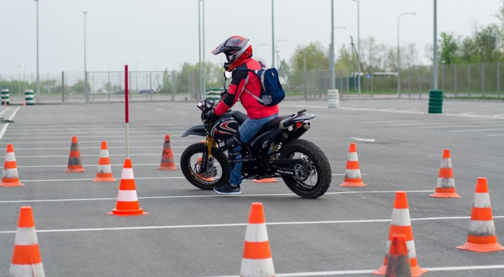 Новые правила неусложнят сдачу экзаменов наполучение водительских прав— ГИБДД